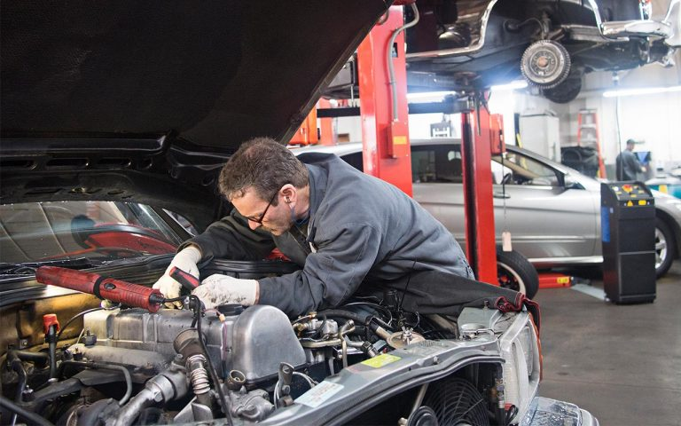 The advantages of Auto Repair Center Management Software